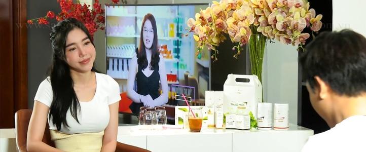 Live Stream talk show Elly tran Dich vu quay phim, dich vu live stream saigonphim.com.vn